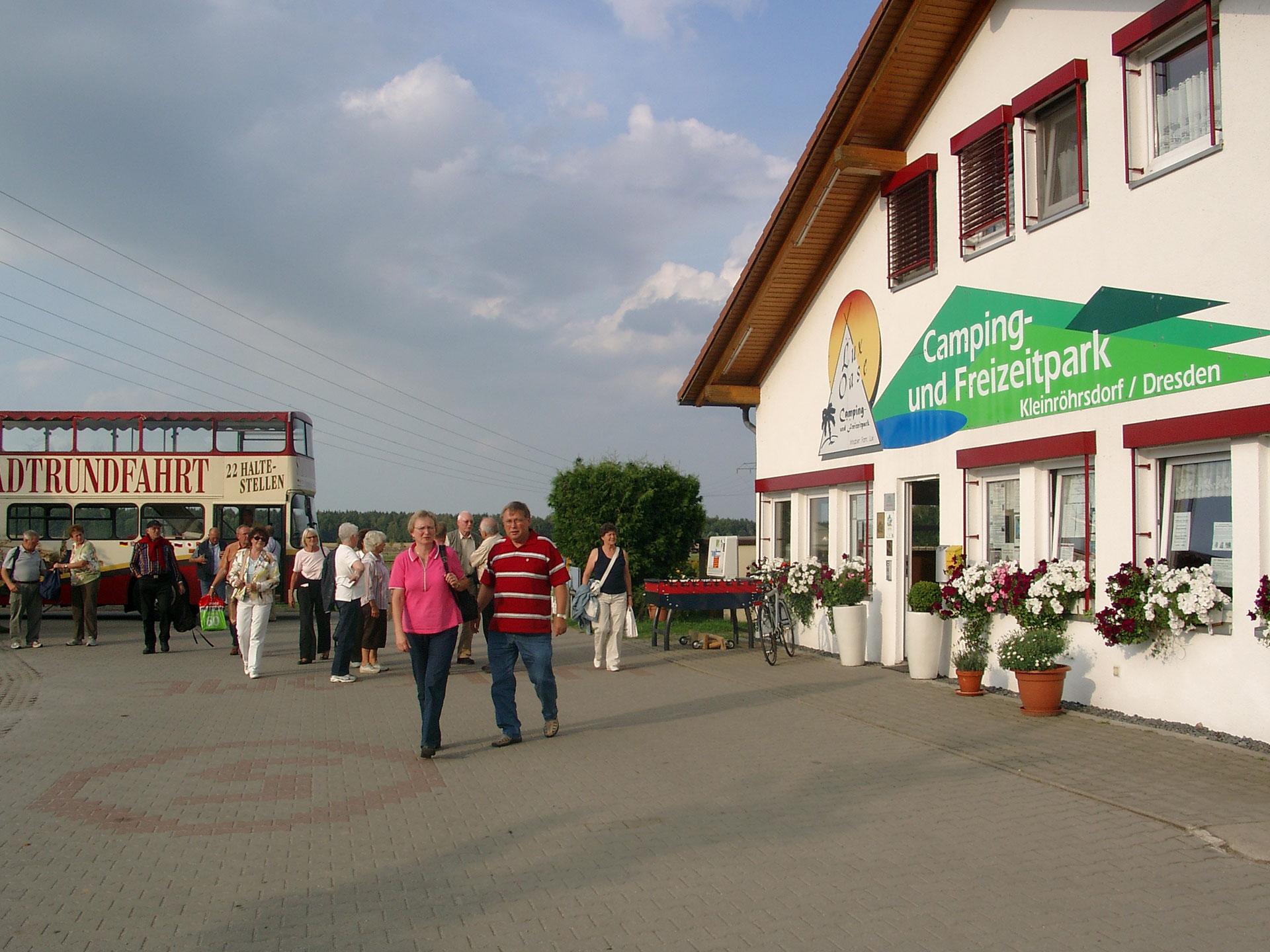 cb6a1c17937d07 c5g Stellplatz-Wohnmobil.jpg c5g stadtrundfahrtvomplatz.jpg ...